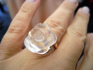 dior rose pre catelan on finger